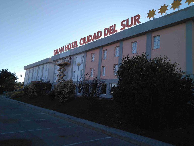 gran-hotel-ciudad-del-sur-fachada